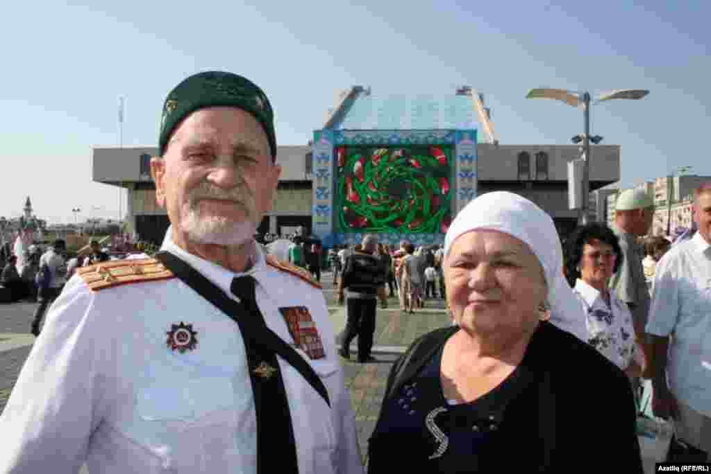 88 яшьлек сугыш ветераны Митхәд Тәхәветдинов хатыны Фирая ханым белән