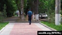 Сотрудник узбекской милиции. Иллюстративное фото.