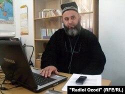 Ҳоҷӣ Мирзо, рӯҳонии саршиноси тоҷик