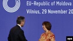 Premierul Iurie Leancă și coordonatoarea politicii externe a Uniunii Europene Catherine Ashton, Vilnius, 29 noiembrie.
