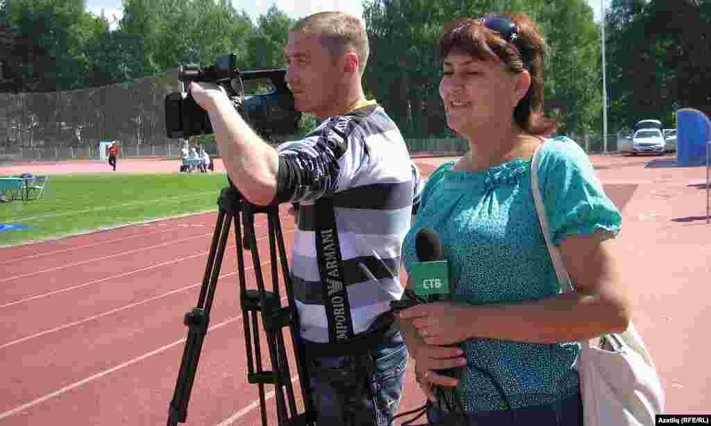 Саба районы телевидениесе хезмәткәрләре бәйрәмне төшерә