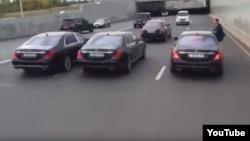 Скриншот видео свадебного кортежа в Астане, участники которого привлечены к ответственности по обвинению в нарушении правил дорожного движения.