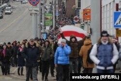 «Марш абураных беларусаў» у Віцебску 26 лютага. БТ згадвае толькі пра акцыю ў Менску, ня згадвае шматлікія акцыі ў рэгіёнах
