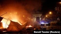 Paris, Avenue des Champs-Élysées, 24 noiembrie 2018. REUTERS/Benoit Tessier