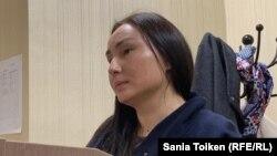 Задержанная на мирной акции в столице 1 мая Бибигуль Туякова в административном суде по ее делу. Нур-Султан, 2 мая 2019 года.