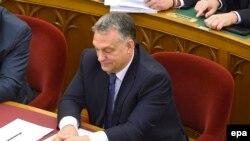Premierul ungar Viktor Orban în parlamenatul de la Budapesta, 6 novembrie 2016