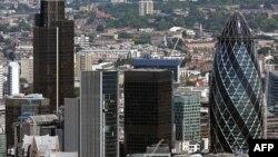 Орусиянын финансылык борбору - Лондон. Азыркы тапта Орусия экономикасы эл аралык финансылык кырдаалга аябай көз каранды.