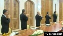 Члена правительства на заседании Кабинета Министров Туркменистана, Ашхабад (архивное фото)