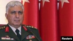 Начальник Генштаба ВС Турции, генерал армии Неждет Озал