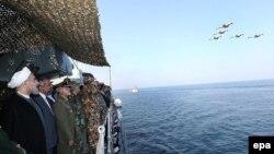 مانور دریایی ارتش ایران در نزدیکی تنگه هرمز، عکس آرشیوی است