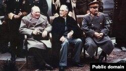 Вінстон Черчілль, Франклін Рузвельт і Йосип Сталін, Ялтинський саміт, лютий 1945 рік