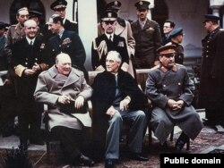 Yalta sammiti, 1945-cil: Winston Churchill, Franklin Roosevelt və Joseph Stalin
