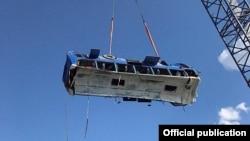 Спасатели подняли автобус из воды, фото пресс-службы ГУ МЧС России по Краснодарскому краю