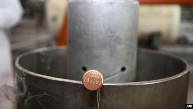 ایران غنیسازی ۲۰ درصدی خود را تحت نظارت آژانس بینالمللی انرژی اتمی، متوقف کرده است