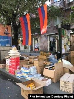 Сбор гуманитарной помощи в Ереване, 29 сентября 2020 года