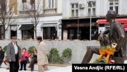 Beograd, spomenik Borislavu Pekiću