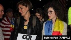 La București, protestatarii reiau demonstrațiile împotriva corupției apărate de parlamentarii PSD