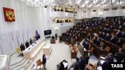 Заседание Совета федерации - верхней палаты российского парламента. Москва, октябрь 2012 года.