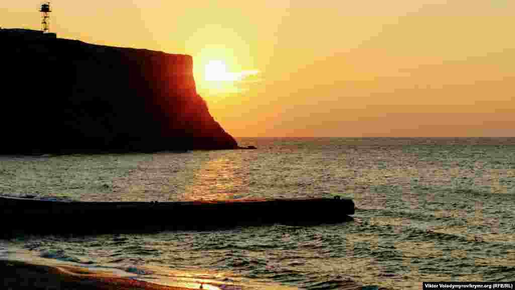 Закат в Песчаном заслуживает внимания