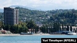 Вид на столицу Абхазии - Сухуми
