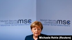 """Nemačka kancelarka Angela Merkel, koju u septembru očekuju izbori, u više navrata je pozvala na """"nacionalni napor"""" da zemlju napuste svi oni koji nemaju pravo da u njoj ostanu"""