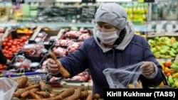 """Rossiya hukumati ayrim oziq-ovqat turlari narxini """"muzlatish""""ga buyurdi"""