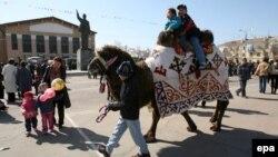 Жители города Байконур во время празднования Наурыза. Иллюстративное фото.