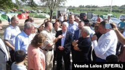 Američki ambasador Kajl Skot posetio izbeglički centar u Subotici, 28. jul 2016.