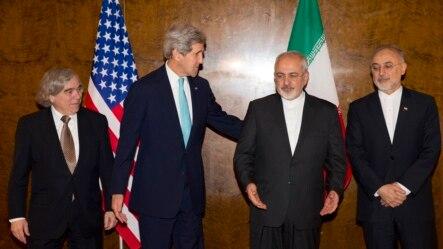 از راست: علی اکبر صالحی، محمد جواد ظریف، جان کری و ارنست مونیز
