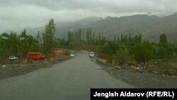 Кыргыз-тажик чек арасындагы жол, Баткен.