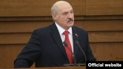 Belarusian President Alyaksandr Lukashenka said on October 7 that his country was negotiating with Iran for the purchase of oil amid differences with Russia on oil and gas imports.