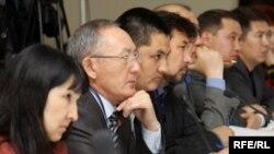 Конституциялык кеңешменин биринчи жыйыны, 4-май 2010-жыл