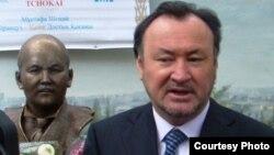Нұрсұлтан Назарбаевтың сайлау алды штабының басшысы, президенттің бұрынғы кеңесшісі Мұхтар Құл-Мұхаммед.