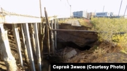 Здание, рухнувшее в поселке Черском из-за таяния мерзлоты