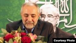 اردشیر امیر ارجمند، مشاور میرحسین موسوی و سخنگوی شورای هماهنگی راه سبز امید.