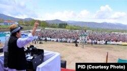 عمران خان وویل، د افغانستان سوله قبایلو ته ګټه رسوي