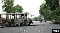 Əndicanda yanmış avtomobillər, 14 may 2005