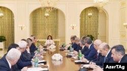 Birinci vitse-prezident Mehriban Əliyevanın ilk iclası, Bakı, 9 mart 2017