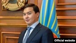 Внук президента Казахстана Нурсултана Назарбаева Нурали Алиев, в бытность заместителем акима Астаны.