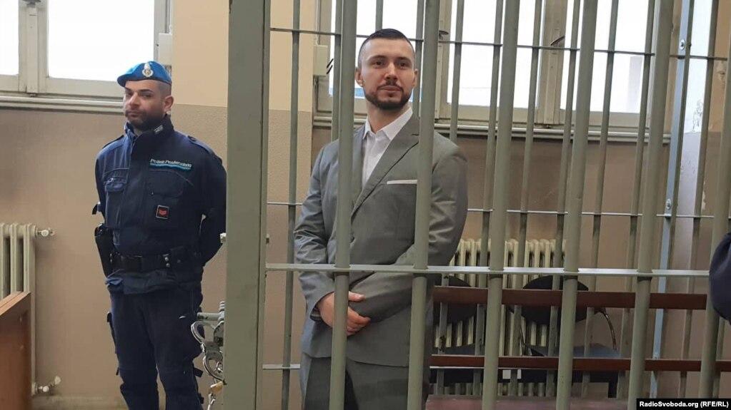 Віталій Марків (праворуч) під час одного з попередніх судових засідань. Павія, листопад 2019 року