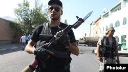 """""""Sasna tsrer"""" silahlı qruplaşmasının qiyamı Sarkisyanı sarsıdan iki hadisədən biri idi"""