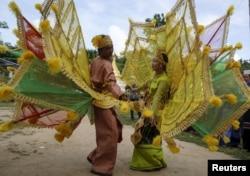 Акция сторонников Аун Сан Су Чжи из народа каренов, долгие годы находившегося в военном конфликте с бирманскими военными