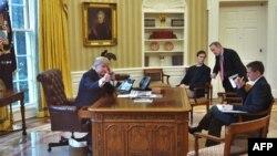 رییسجمهوری آمریکا صدور فرمان خود برای ممنوعیت ورود اتباع هفت کشور را در راستای امنیت ملی عنوان کرده است.
