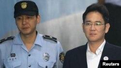 Ли Чжэ Ён, Samsung компаниясының вице-президенті.