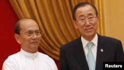 Myanmar's President Thein Sein (left) meets with UN Secretary-General Ban Ki-moon at the Presidential Palace in Naypyitaw on April 30.