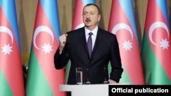 Ադրբեջանի նախագահը ելույթ է ունենում Բաքվում պաշտոնական ընդունելության ժամանակ, 27-ը մայիսի, 2014թ․