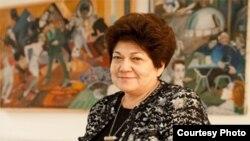Ранее ордена «За заслуги в области искусства и литературы» Франции была удостоена директор Государственного музея искусств имени Игоря Савицкого в Нукусе Мариника Бабаназарова.