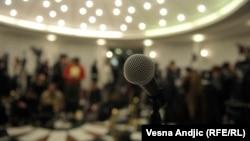 Predstavnici medija u Srbiji na pres-konferenciji u Beogradu (fotoarhiv)