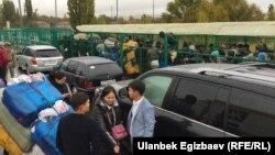 КПП «Ак-Жол» на кыргызско-казахской границе. 18 октября 2017 года.