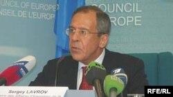 За отсутствием Владимира Путина и Бориса Грызлова на сессии ПАСЕ с нетерпением ждут Сергея Лаврова - отвечать на неудобные вопросы придется ему